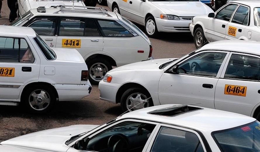 Por extorsión, más de 30 puntos de taxis han sido cerrados en Tegucigalpa