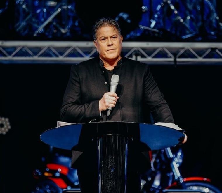 Pastor afirma que los cristianos que dan el diezmo están protegidos del coronavirus