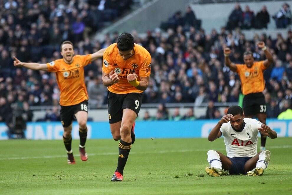 Wolverhampton ganó con gol de Jiménez