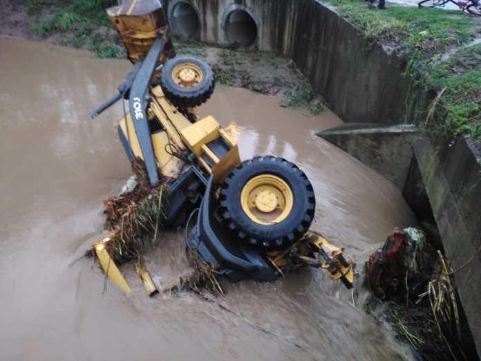 Encuentran el cuerpo del conductor de retroexcavadora que fue arrastrado por la corriente del río Calán en Siguatepeque