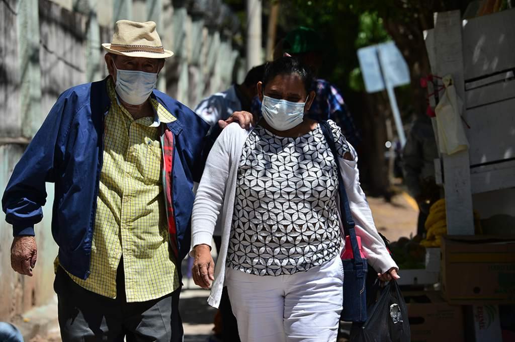Unos 40 mil pacientes covid-19 circulan en Honduras sin haber sido detectados, según Colegio de Microbiólogos