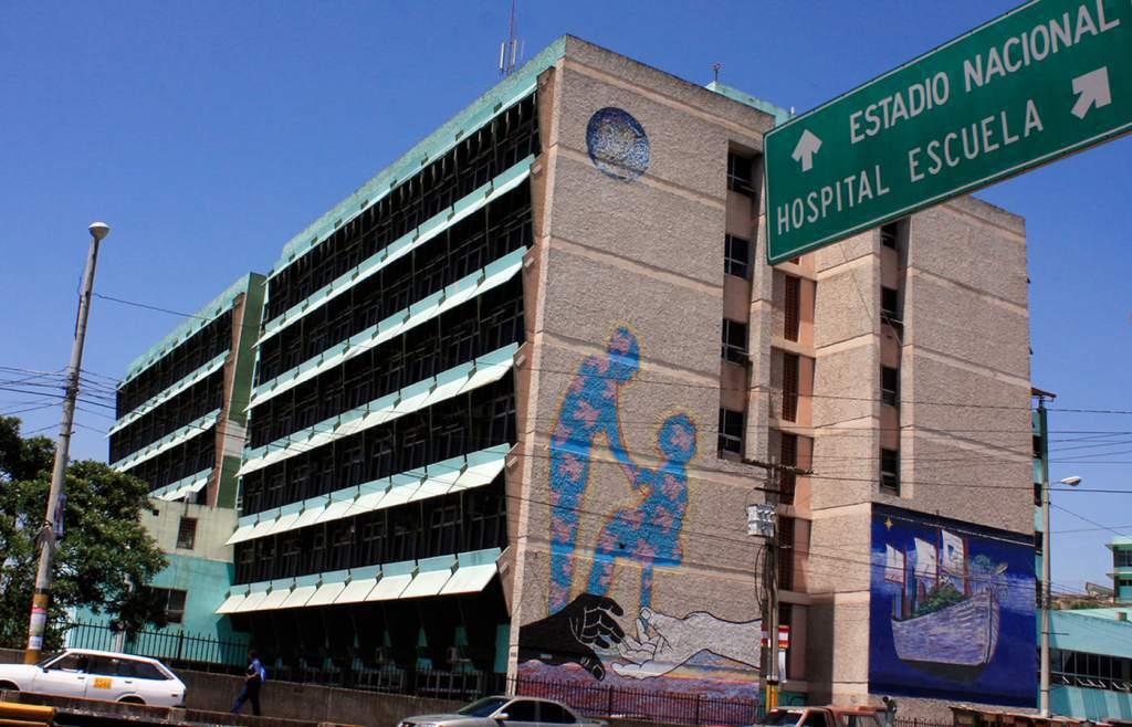 Más de 50 empleados positivos de coronavirus y unos 60 sospechosos en el Hospital Escuela de Tegucigalpa