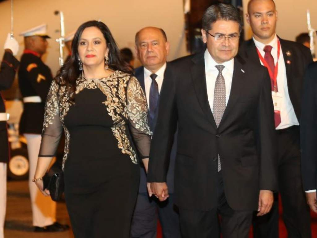 Presidente Hernández y su esposa  resultan positivos al covid-19