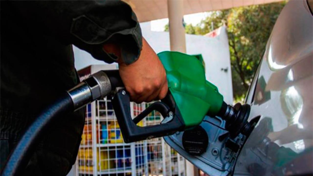 Leve incremento en el precio de los combustibles a partir del lunes en Honduras