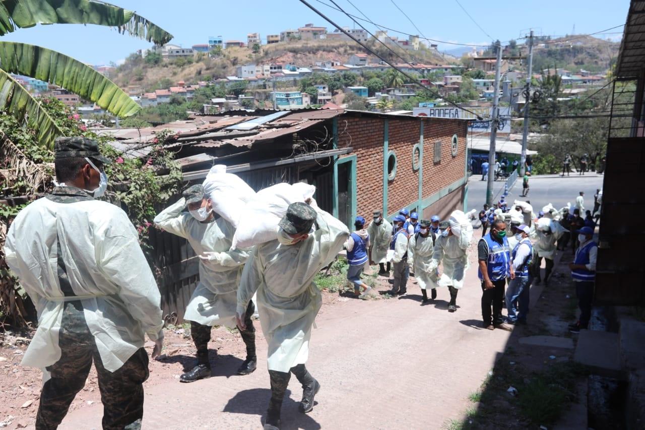 Operación Honduras Solidaria beneficiará a más de dos millones de hondureños, afirma presidente Hernández