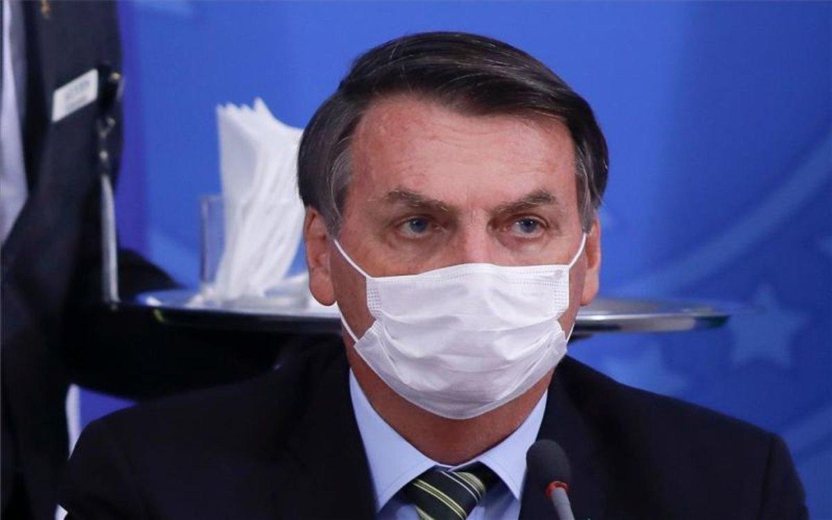 Presidente de Brasil Jair Bolsonaro da positivo al coronavirus