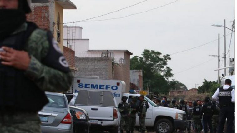 Mujer mexicana decapita a su pareja e intenta huir con la cabeza de la víctima en sus manos