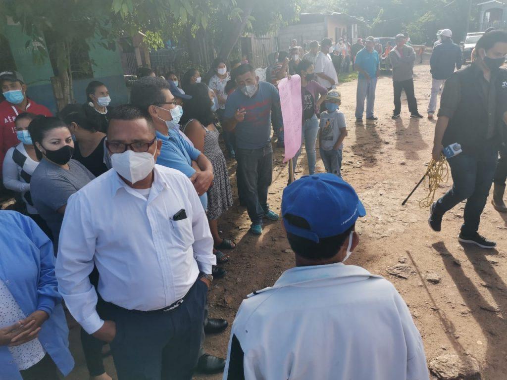 Los habitantes del sector se reunieron la mañana del miércoles para exigir el proyecto.