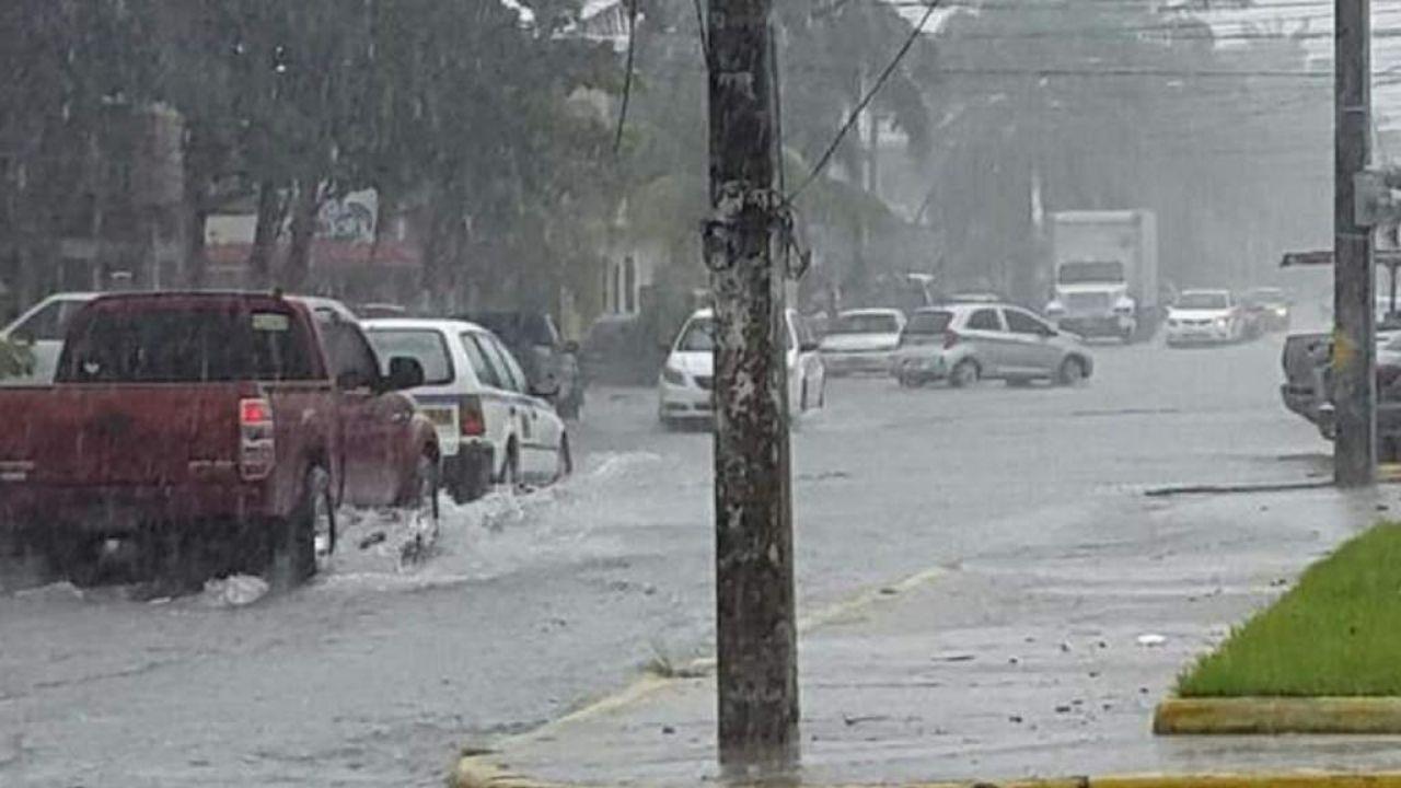 Extienden por 48 horas más la alerta verde para 10 departamentos de Honduras por la influencia de vaguada asociada al huracán Laura