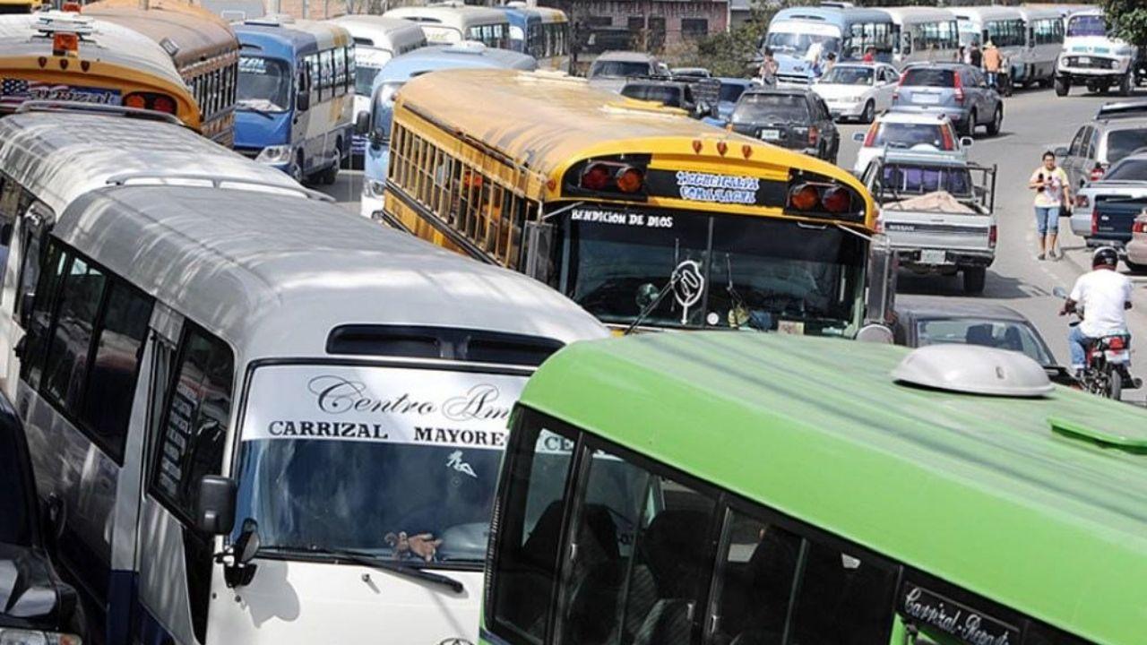 Esta será la capacidad de pasajeros que se permitirá en los buses, taxis, rapiditos y mototaxis en Honduras
