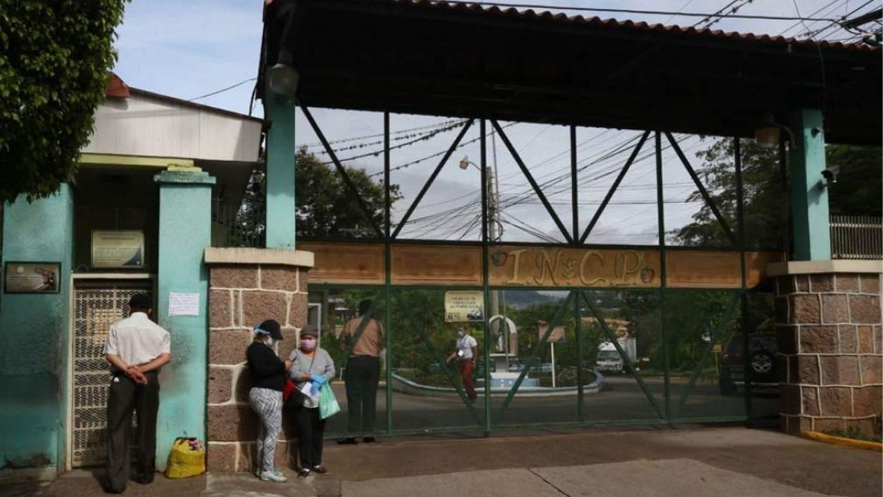 Gracias a los centros de triajes se reduce el ingreso de pacientes con covid en el Hospital El Tórax