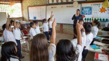 niños en aula de clases honduras.