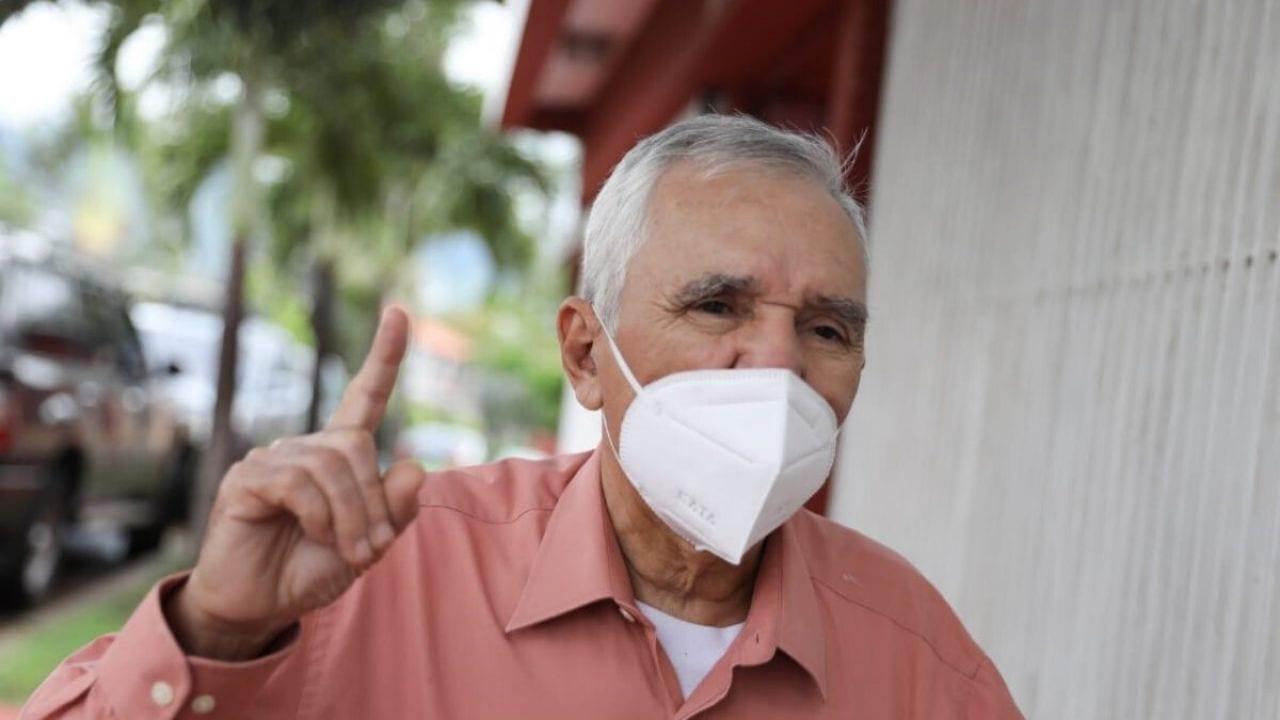 Infectologo advierte a los hondureños: 'vamos a convivir con el covid como ocurre con la influenza'