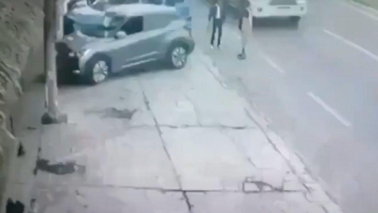 Motociclista mata a un mariachi al realizar una mala maniobra y todo queda grabado