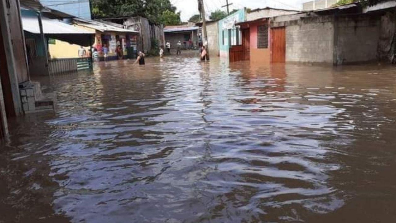 Por deslizamiento y desbordamiento extienden alerta amarilla para seis departamentos de Honduras