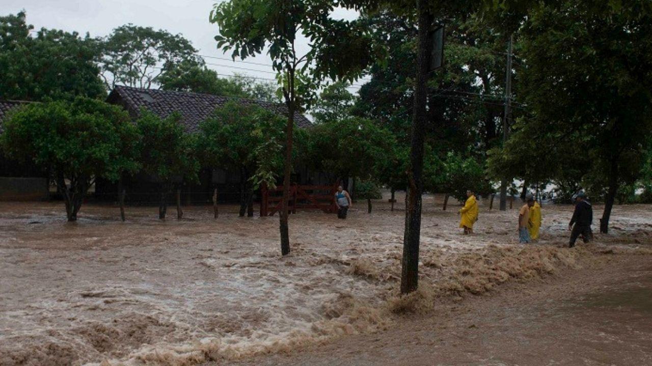Por fuertes lluvias emiten alerta verde para 13 departamentos de Honduras