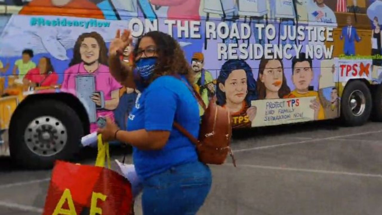 Mira el bus de la libertad para los tepesianos que recorrerá 52 ciudades de los Estados Unidos, el vídeo es emotivo