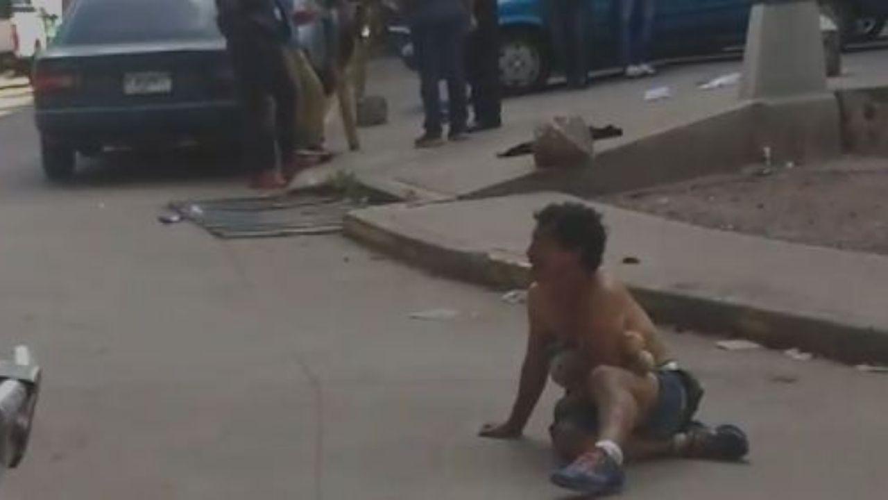Desgarrador vídeo, hondureño con peluche en mano reclama a sujeto por violación de su hija
