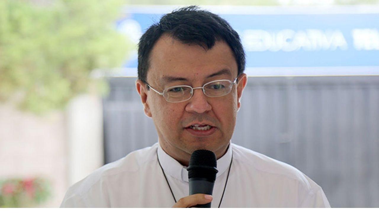 Padre Juan López pidió a los 'corruptos, ladrones y cínicos´ obtenerse de hablar de patriotismo