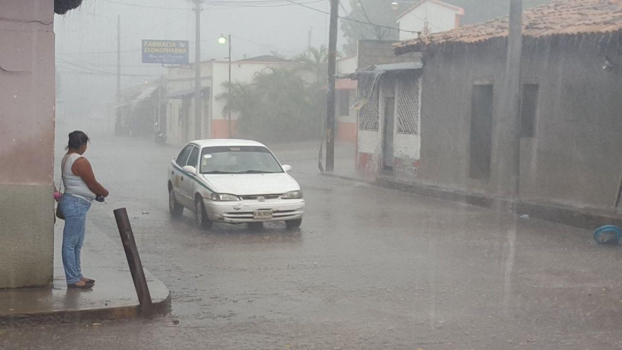 En estas regiones de Honduras lloverá otras 48 horas por influencia de una vaguada, alerta Copeco