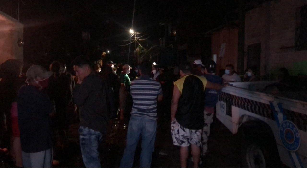 Dos hondureñas muertas y varias calles inundadas es el  resultado de fuertes luvias en la capital
