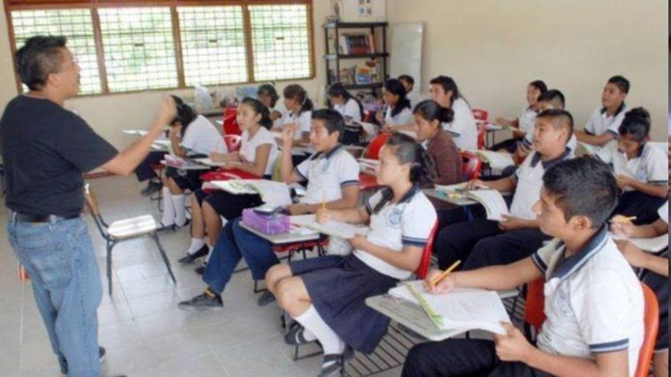 maestro en clases
