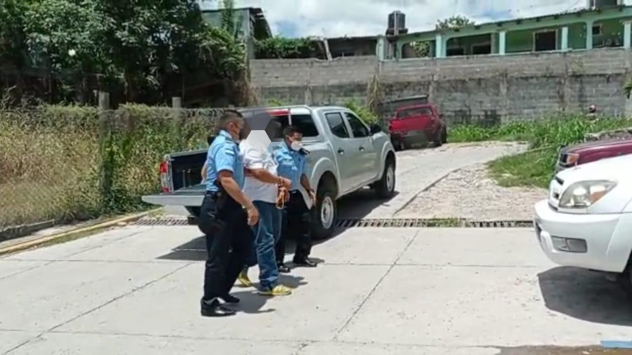 Capturan a hombre acusado de supuesta violación en contra de su hija de 7 años