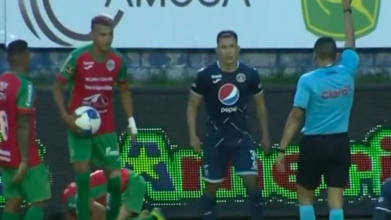 Exárbitro hondureño explota contra cuarteta arbitral del Motagua vs. Marathón: 'son unos pícaros'