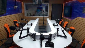 Cabina Radio HRN