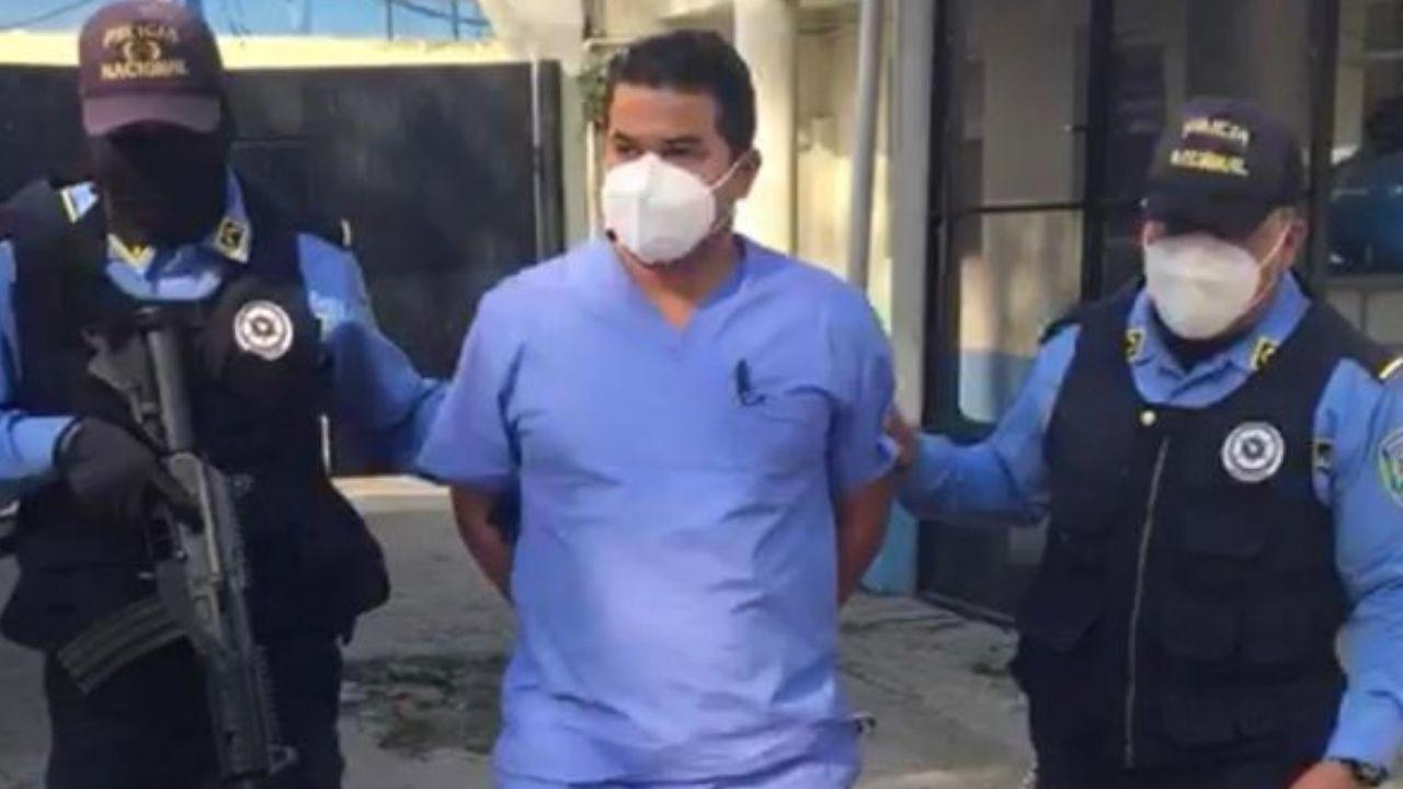 Director de médicos del Seguro Social de SPS detenido por presunto acoso laboral