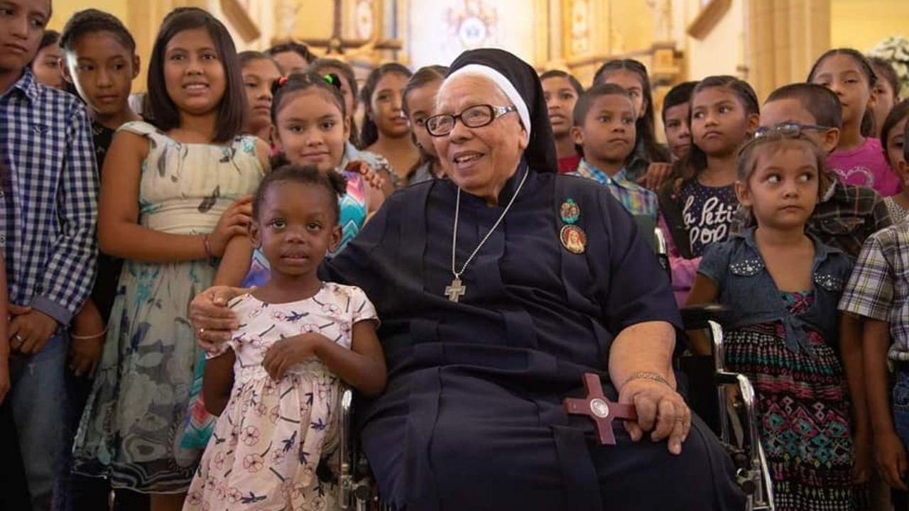 'Por qué matan a los niños, no tienen corazón ni alma'; uno de los últimos mensajes de sor María Rosa a jóvenes hondureños