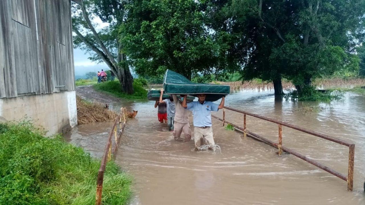 Toda Honduras en alerta por huracán Eta: siete departamentos en alerta roja y 11 en amarilla