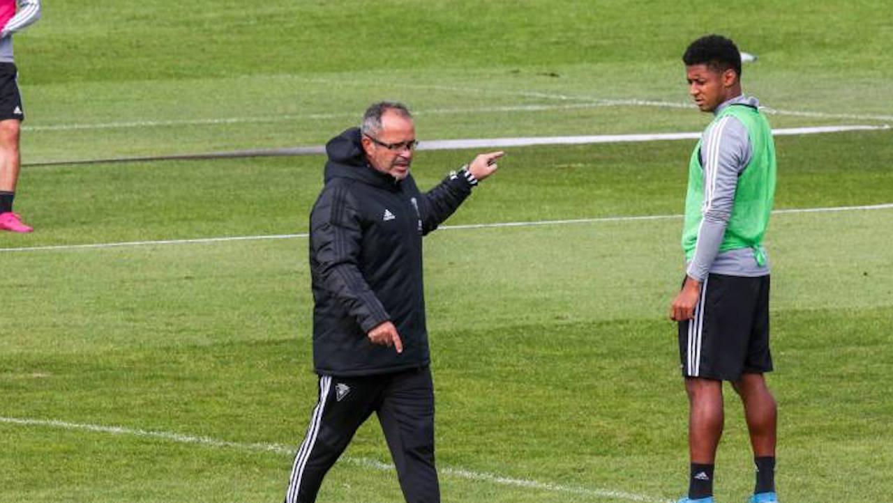 Técnico del Choco Lozano estará en el banquillo frente a la Real Sociedad