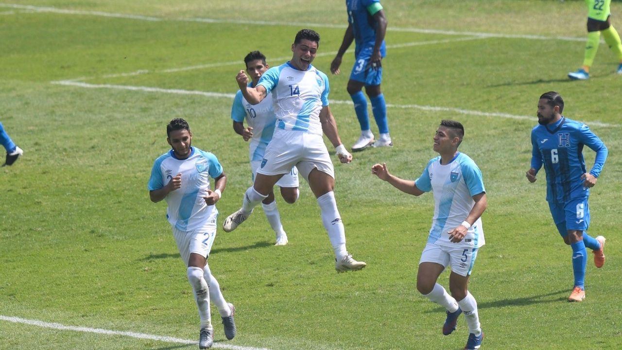 Guatemala derrota a Honduras con doblete de Darwin Lom