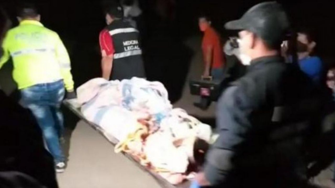 Ecuatoriana asesina a cuchillazos a su única hija por no entregarle el celular