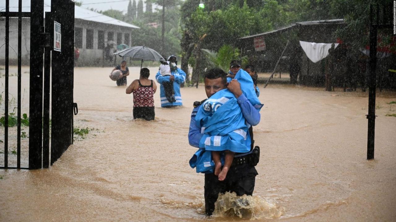 Más de mil familias de policías de Honduras fueron afectadas por Eta e Iota