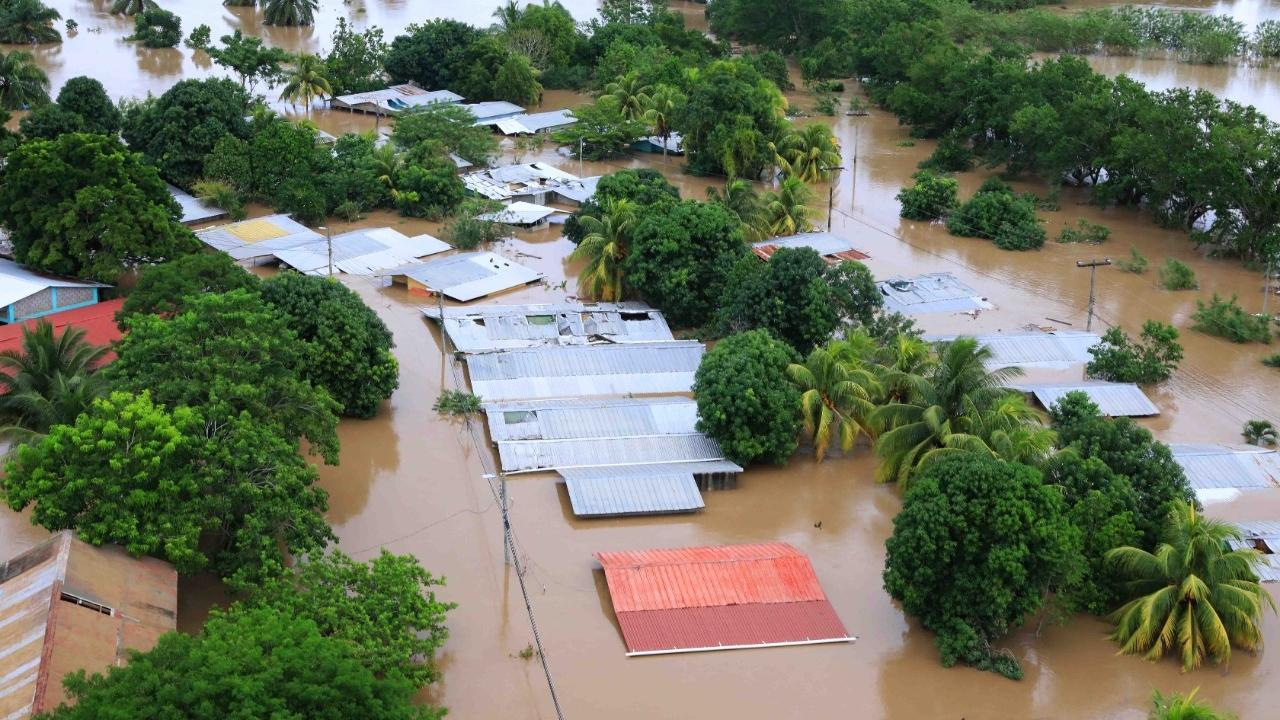 Hondureño murió al regresar a salvar a sus gallinas de las inundaciones, tras paso de Eta e Iota