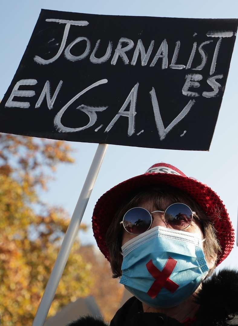 Una gran protesta clama en Francia contra la polémica ley de seguridad