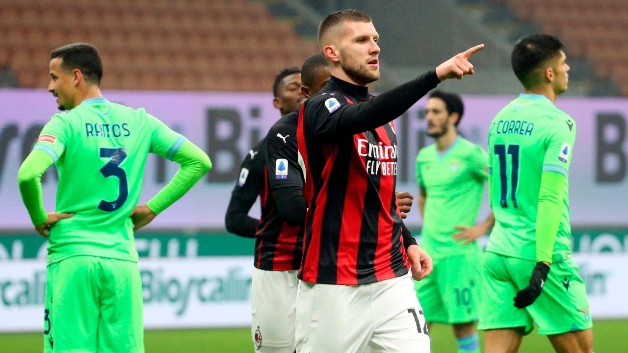 El Milan mantiene el invicto y el liderato sufriendo ante Lazio