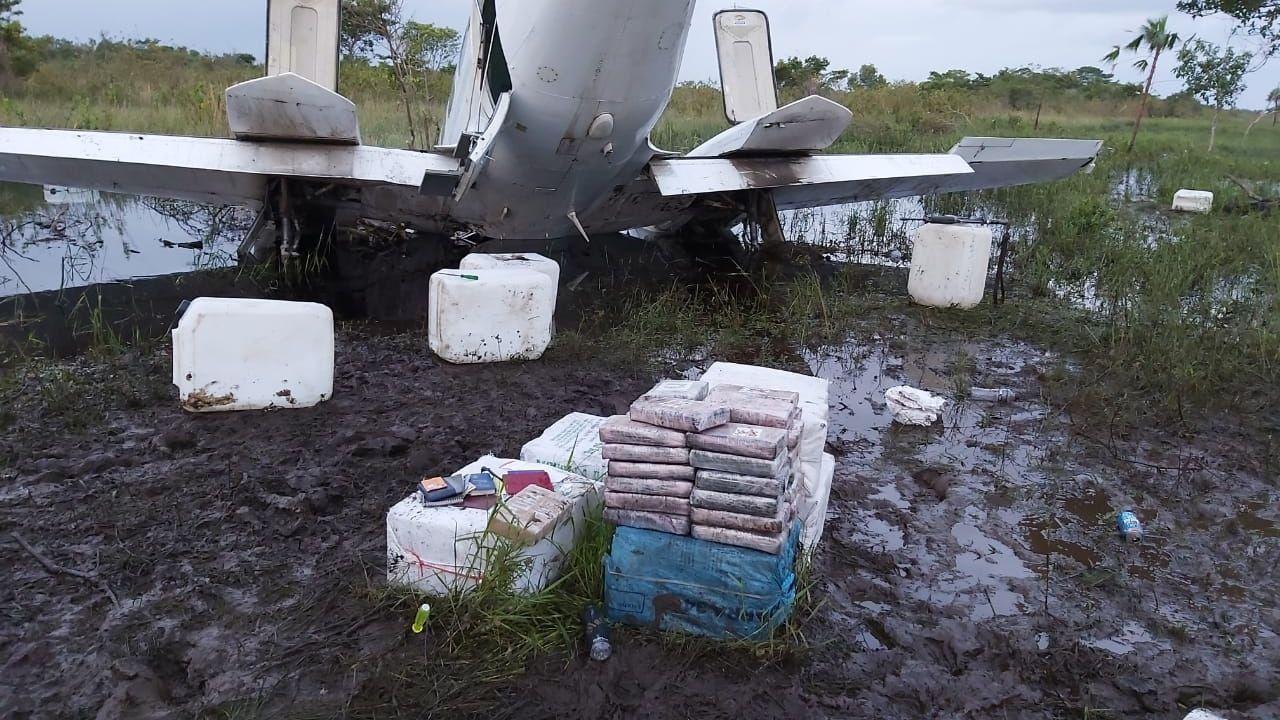 Interceptan narcoavioneta con el rótulo 'ayuda humanitaria' en La Mosquitia hondureña