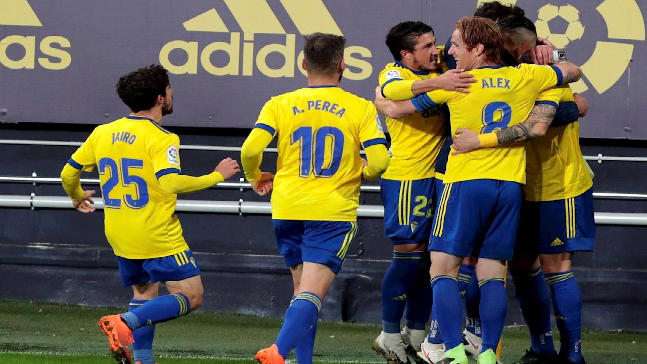 LaLiga: El Cádiz del Choco Lozano venció 2-1 al Barcelona