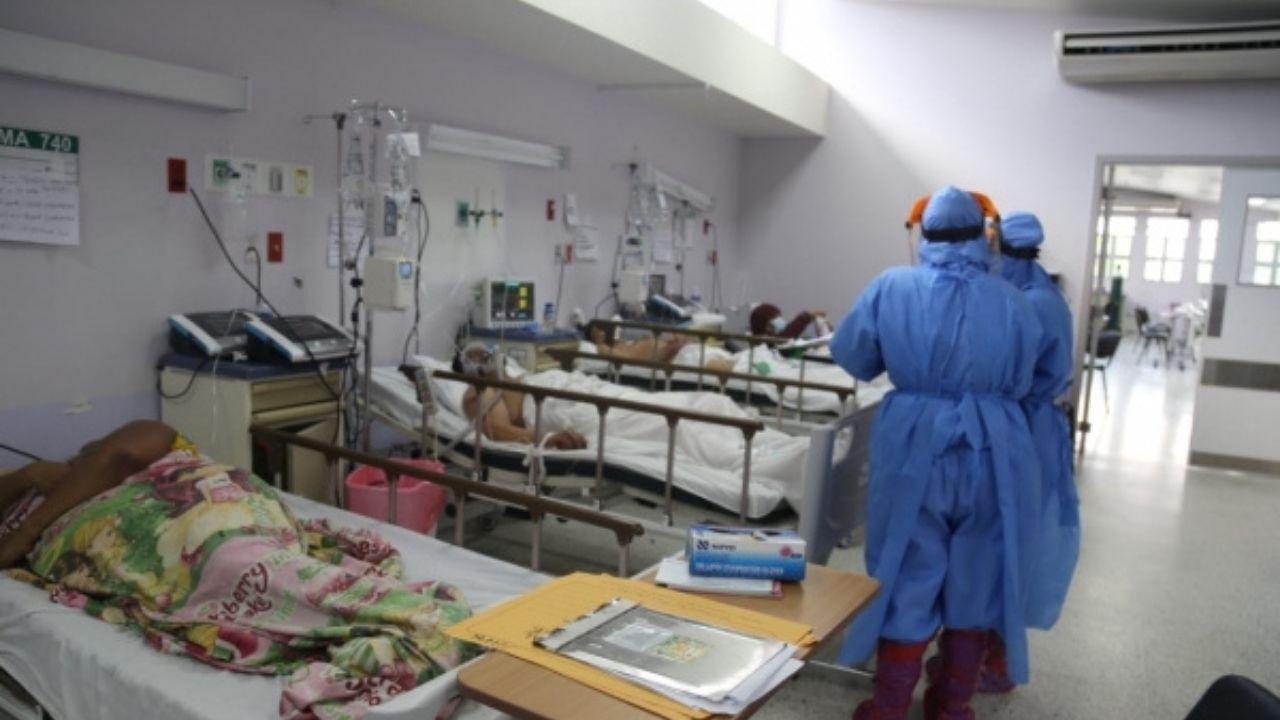 'La gente se confunde y piensa que tiene una simple gripe, cuando en realidad es covid', directora de El Tórax