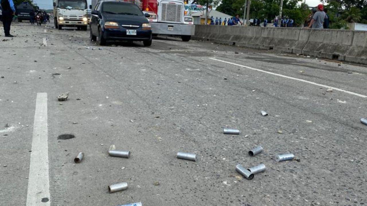 'En Honduras un policía mató a un manifestante y no pasa nada', reprocha sampedrano mediante video