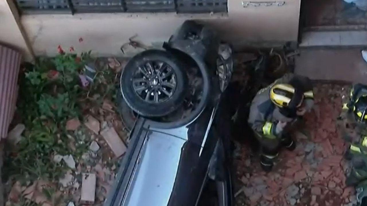 'En vez de pisar el freno puso el acelerador', mujer muere tras tener aparatoso accidente al salir de una clínica