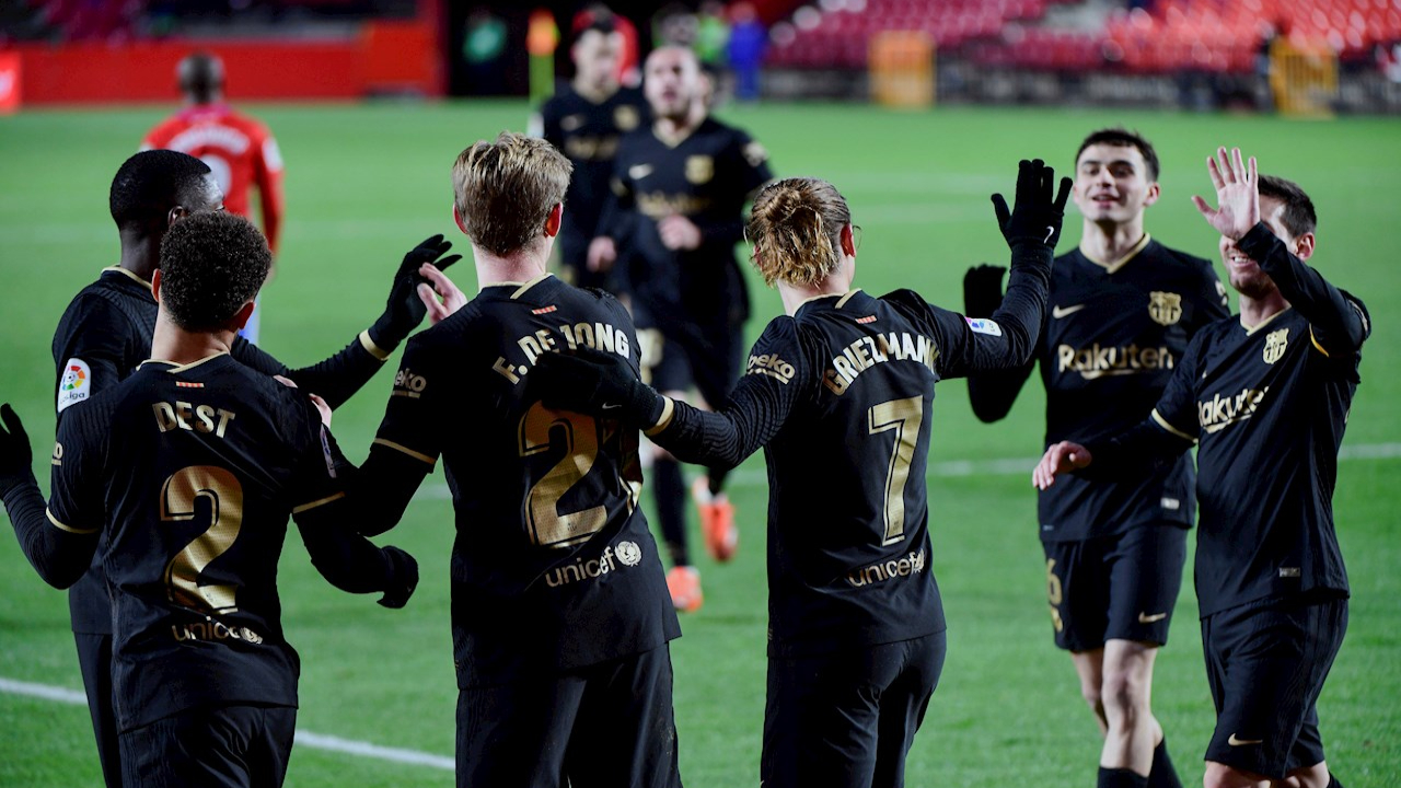 Griezmann y Messi dieron triunfo al Barcelona frente al Granada