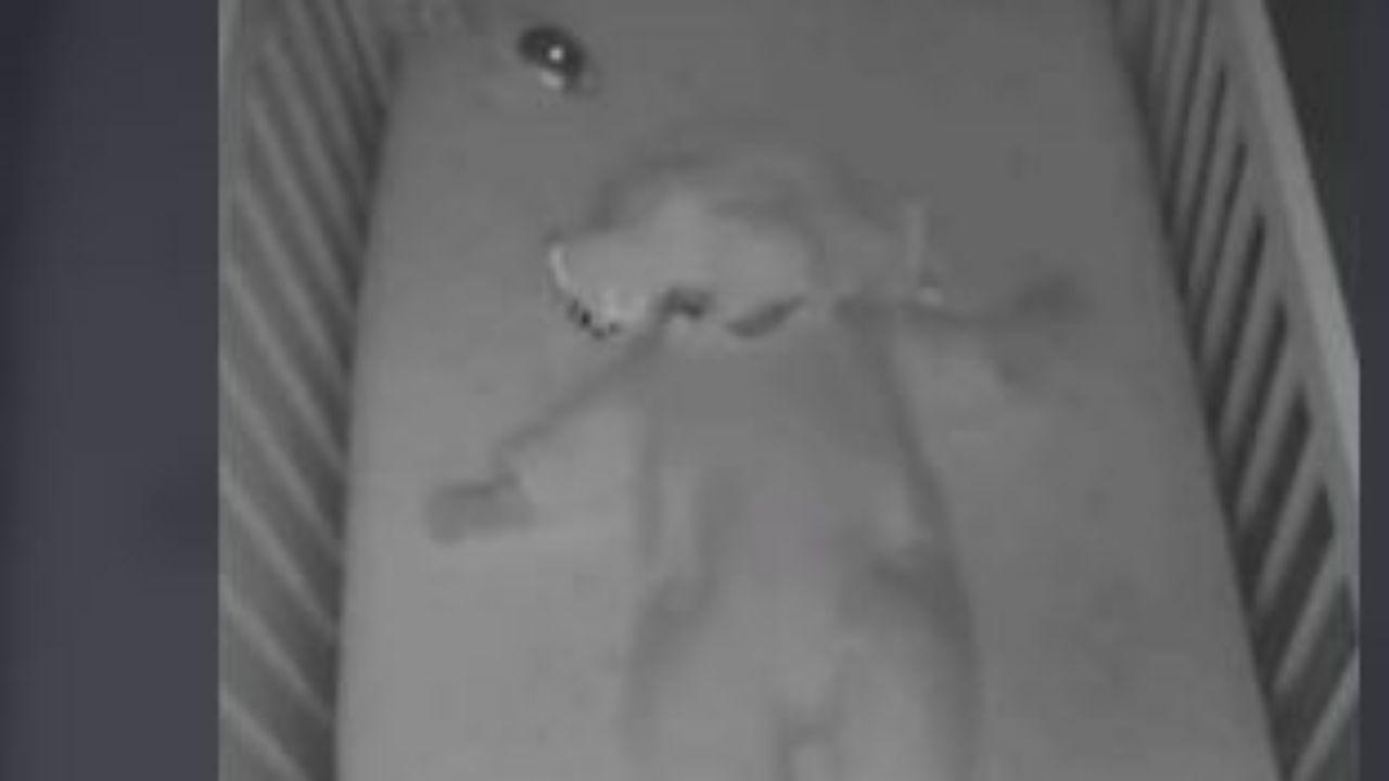 Bebé se salvó de morir asfixiado con su propia cobija, cámara de seguridad captó el momento