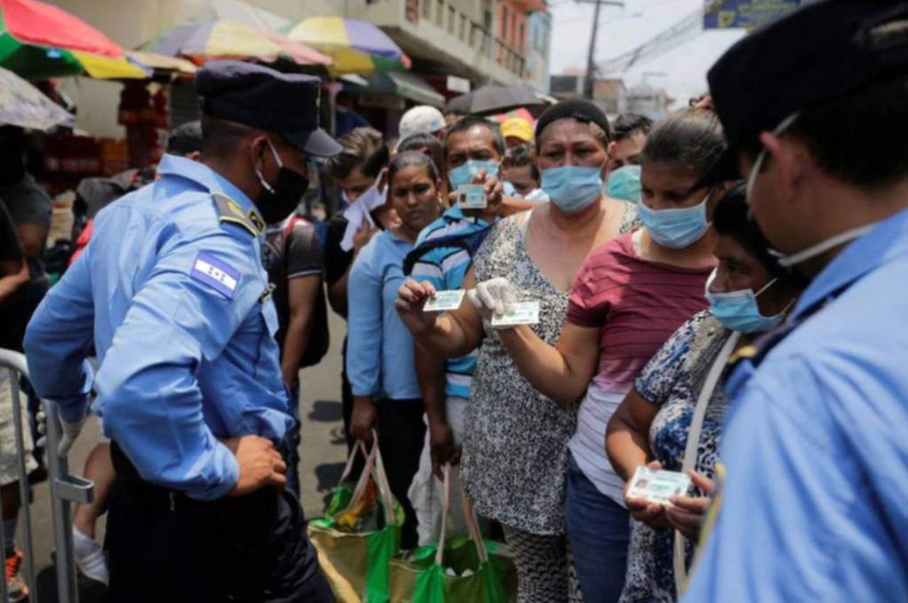 'Honduras no registra 400 mil o 100 mil muertos por covid como en Inglaterra, no se volverá al confinamiento' dice miembro de la MM