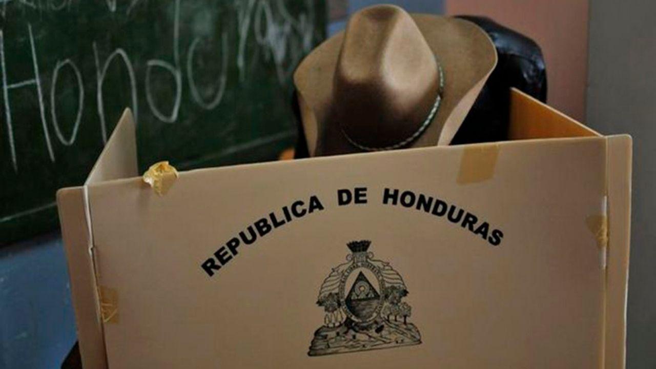 Oposición denuncia supuestos arreglos ocultos para cambiar leyes y mantener 'cara sucia' en la política hondureña
