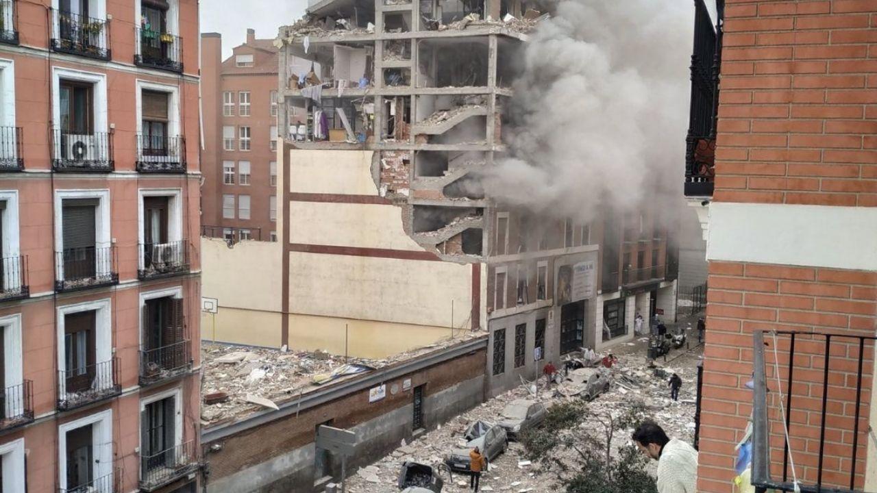 Video capta momento de pánico tras explosión que derrumbó un edificio en Madrid; hay muertos y heridos