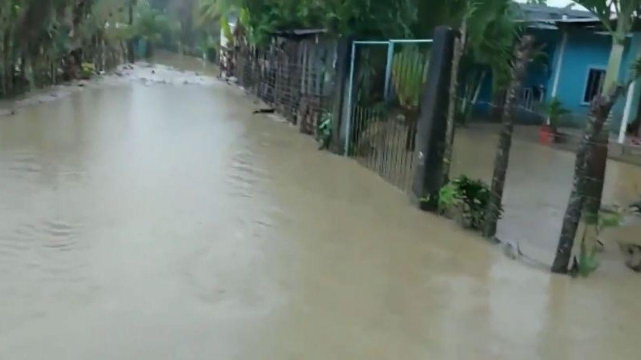 Alarma en Omoa ante inundaciones por desbordamiento del río en Tegucigalpita